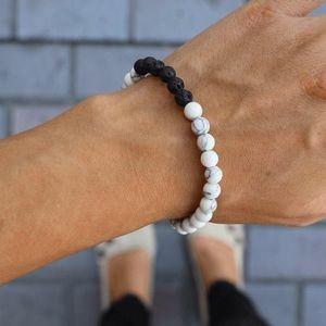 Jewelry - 2/$20▪️White Howlite & Lava Stone Bracelet